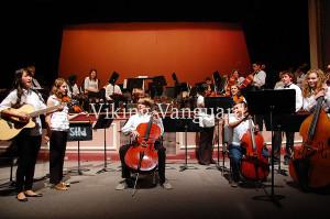 Senior Cortney Winniford led the Edgemont Fiddle Group in their performance.