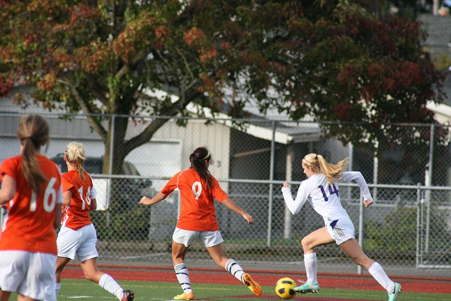 Girls+soccer+defeats+Graham-Kapowsin