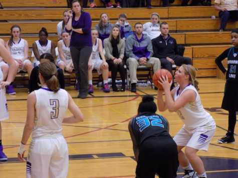 Senior Madisen Garland prepares for a free throw. Puyallup High School girls varsity basketball defeated Spanaway Lake High School Jan. 13. The final score was 57-41.