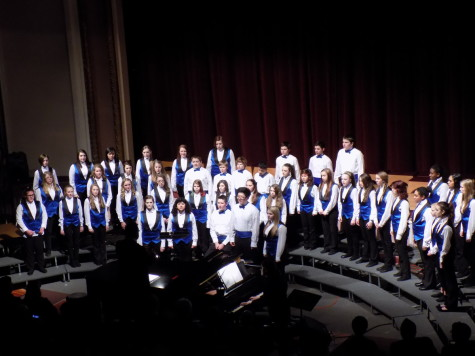 The Edgemont choir begins the concert with two songs. Junior High Schools join Puyallup for a choir concert Jan. 21. Aylen, Edgemont and Kalles junior high schools were all present.