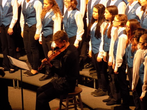 North Foulon accompanies the Kalles choir on the violin. Junior High Schools join Puyallup for a choir concert Jan. 21. Aylen, Edgemont and Kalles junior high schools were all present.