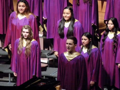 Sophomore Samuel Tipton sings a solo with the PHS concert chorus. Junior High Schools join Puyallup for a choir concert Jan. 21. Aylen, Edgemont and Kalles junior high schools were all present.