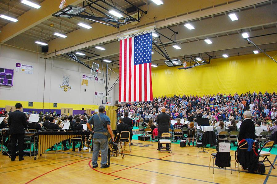 All+elementary%2C+junior+high+and+high+school+students+perform+the+%E2%80%9CStar+Spangled+Banner.%E2%80%9D+Puyallup+High+School%E2%80%99s+Wind+Ensemble+performed+with+band+students+from+Edgemont%2C+Aylen+and+Kalles+Junior+High+Feb.+2+at+the+Region+Three+concert+with+sixth+grade+band+students%2C+also+from+the+region.