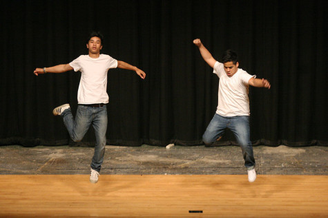 Juniors Gerardo Zaragoza and Antinee Eteaki perform. The Viking Varieties talent show was held April 9 in the auditorium.