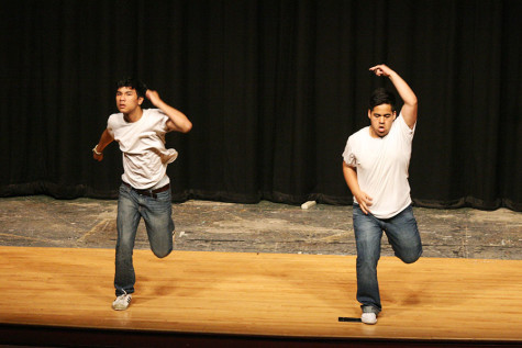 Juniors Gerardo Zaragoza and Antinee Eteaki perform.The Viking Varieties talent show was held April 9 in the auditorium.