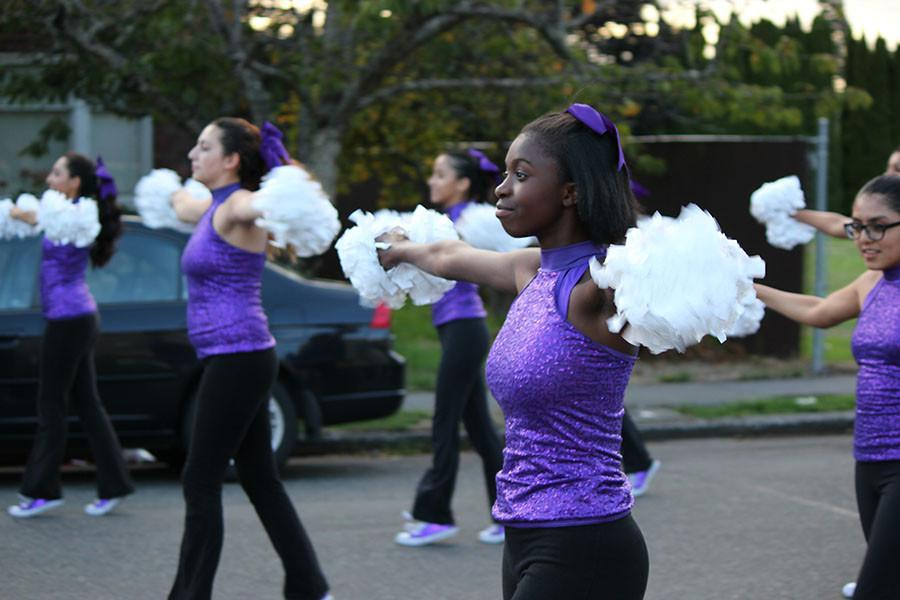 Junior Tysiria House dances to the football game on 9/18/15. She is on the 2015/2016 dance team and danced to the game.
