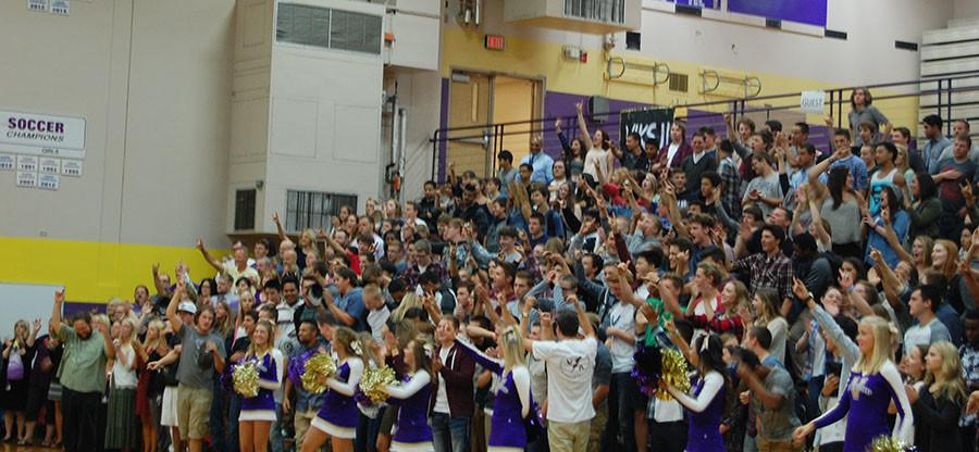 Leadership+hosts+Welcome+Back+pep+assembly+Sept+.8