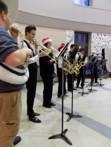 Jazz Band Spread Christmas Cheer
